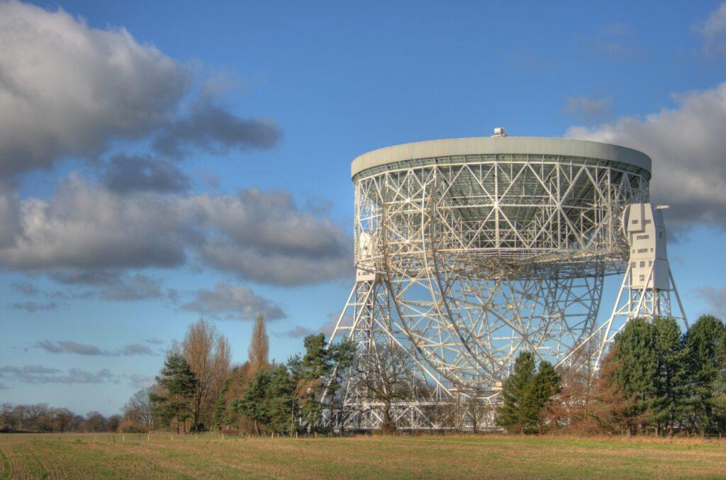 Jodrell Bank. The Radiotelescopes