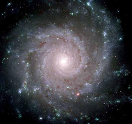 Galaxia M74 viajamos por el espacio