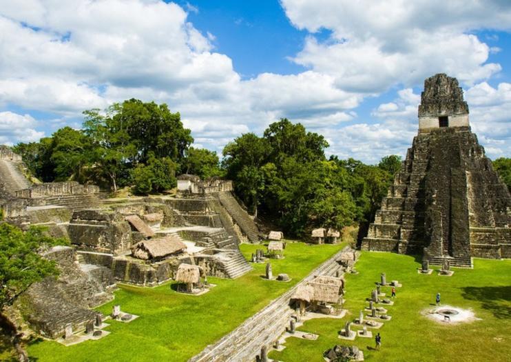 Tikal muestra de la astronomía de los mayas
