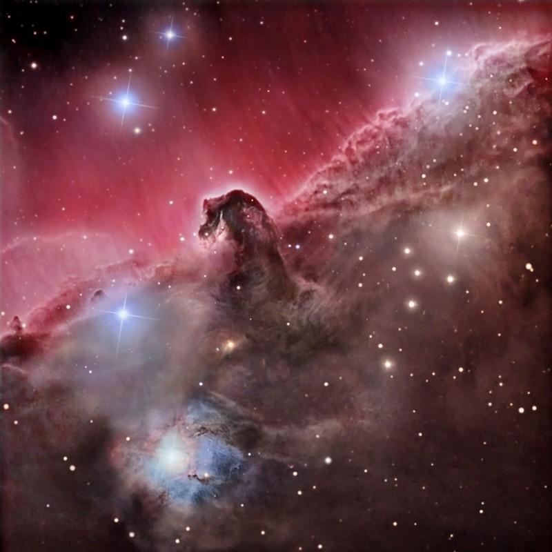 Cabeza Caballo una de las nebulosas en las galaxias
