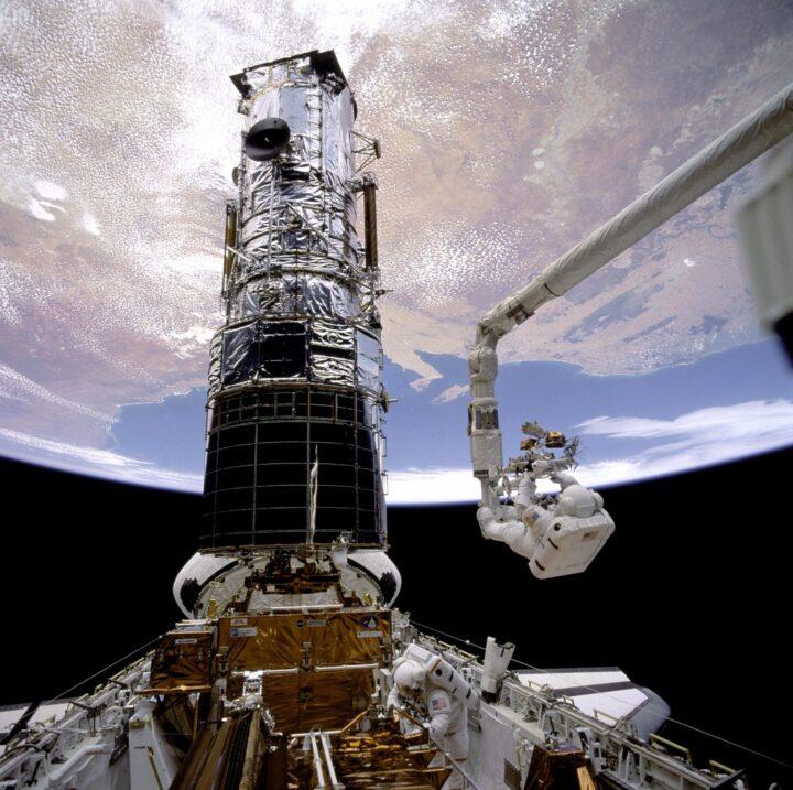 Astronautas. El telescopio espacial Hubble